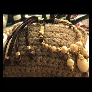 Leather, real Perl, decorate shell and beads